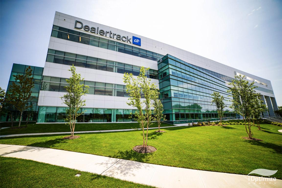 Dealertrack – 233,000 Sq. Ft.